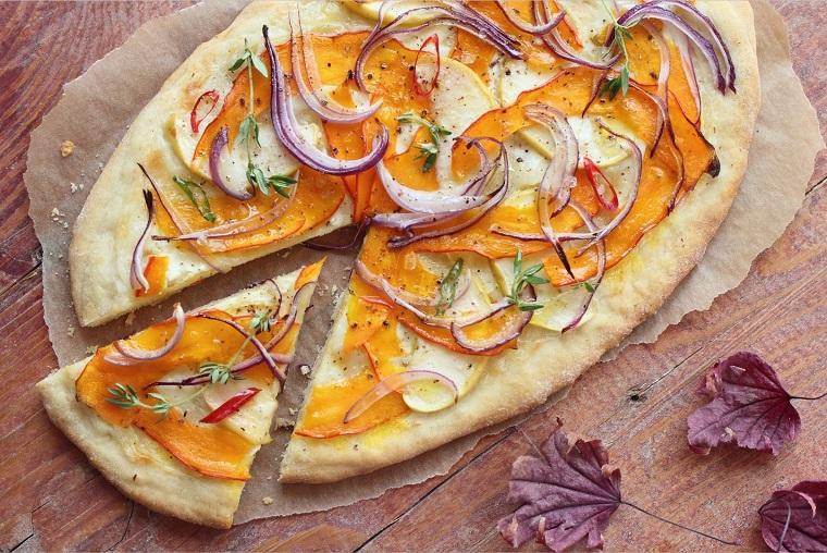rezept-kürbis-zwiebel-pizza