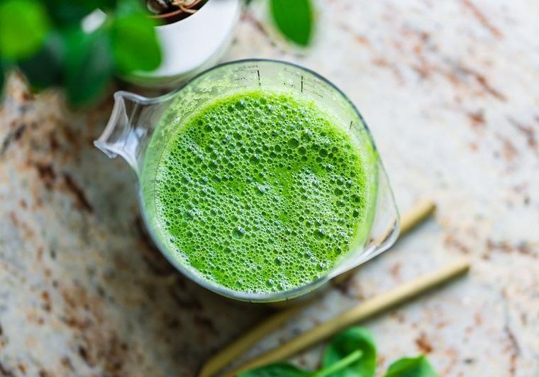 rezept-grüner-smoothie-mit-leinöl